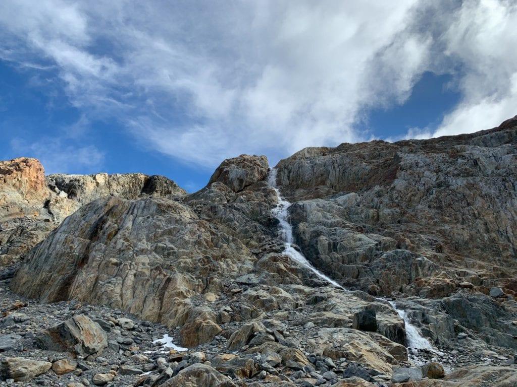camino al glaciar ojo del albino