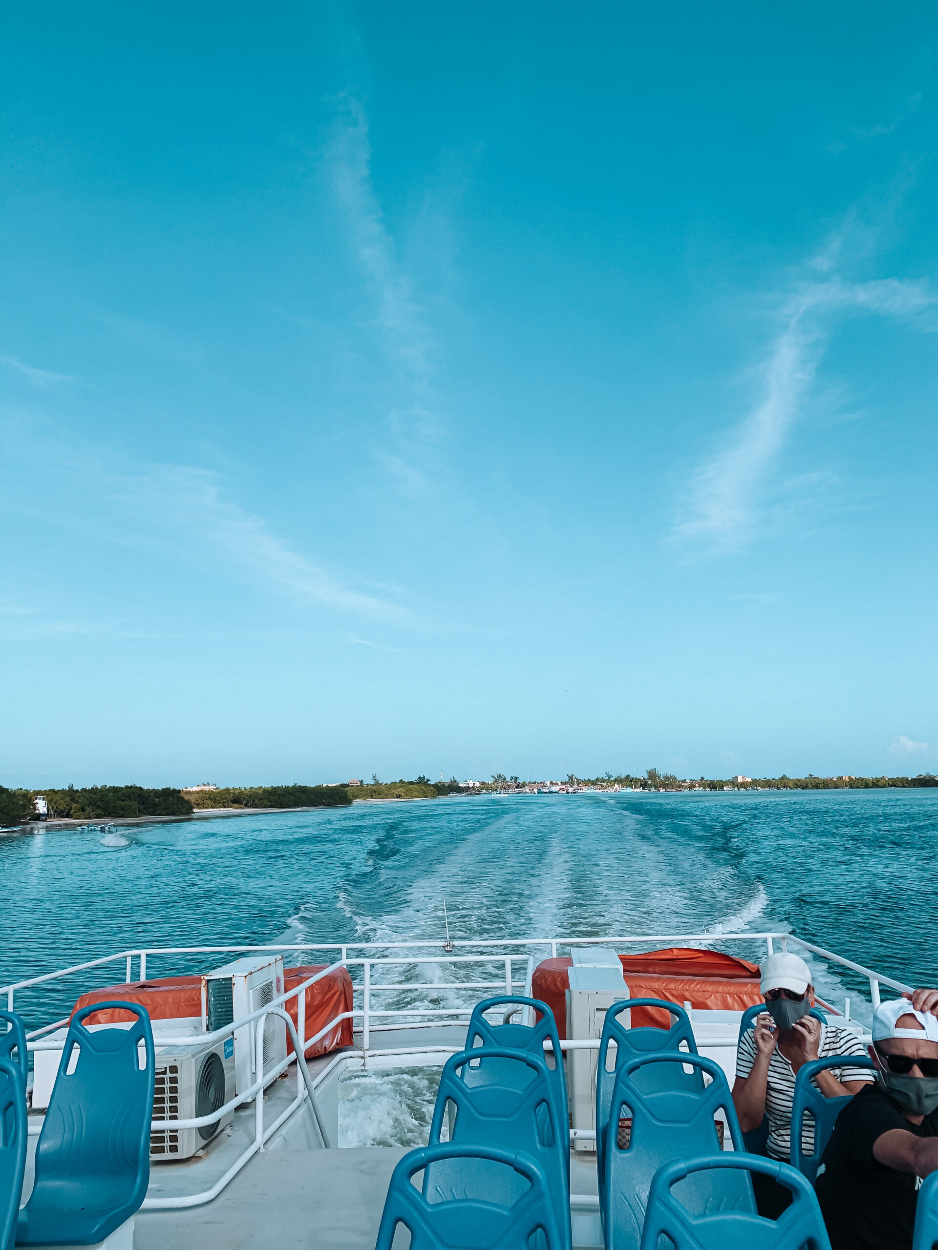 Ferry a Holbox