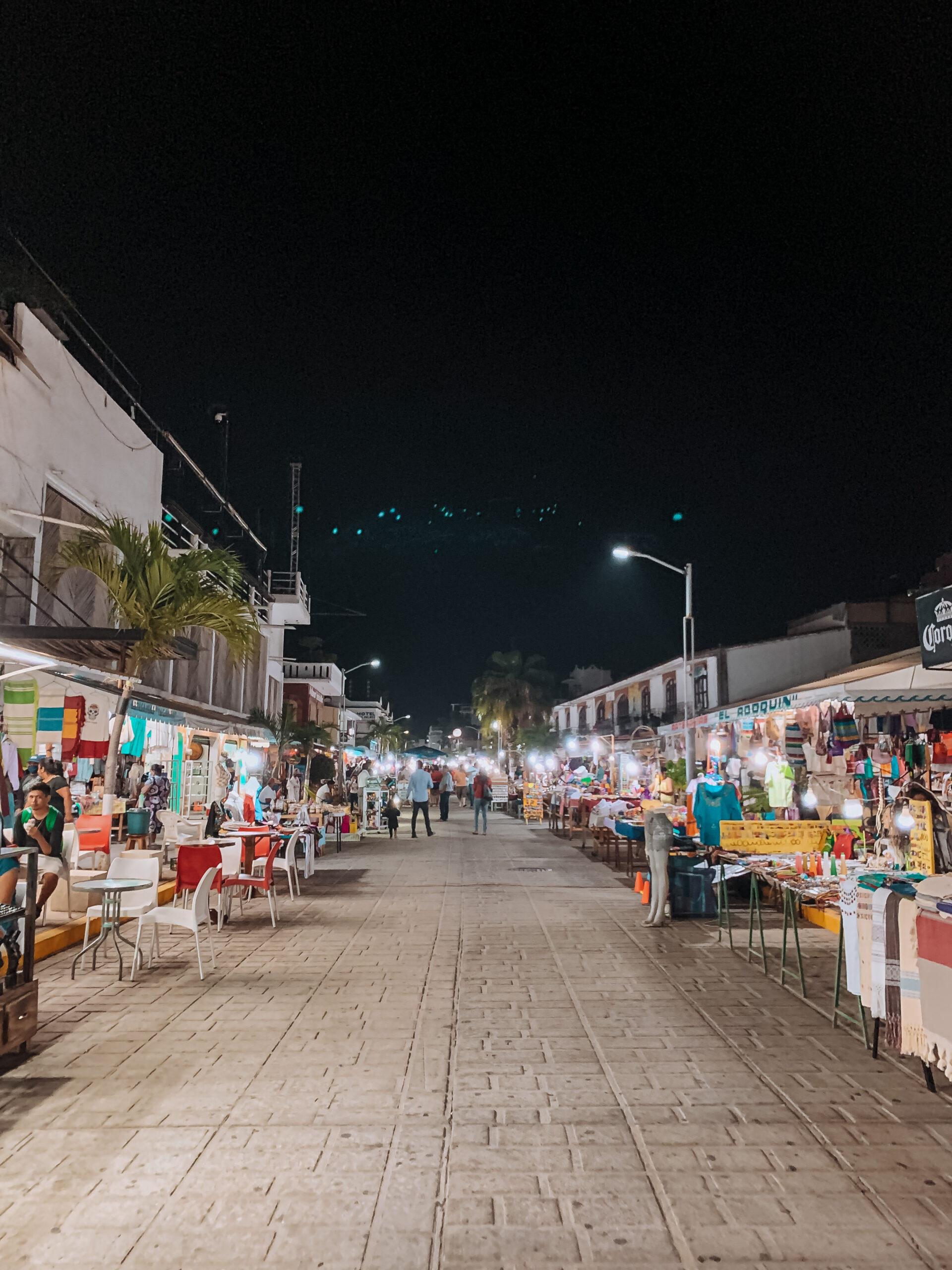 calle principal Puerto escondido